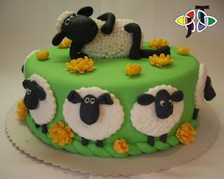 kue lebaran dan ulang tahun gambar shaun the sheep
